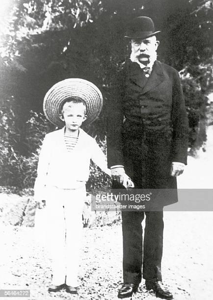 Franz Joseph with archduke Carl Franz Joseph in Cannes. Photography, 1894. [Franz Joseph mit Erzherzog Carl Franz Joseph , dem spaeteren Kaiser Karl...