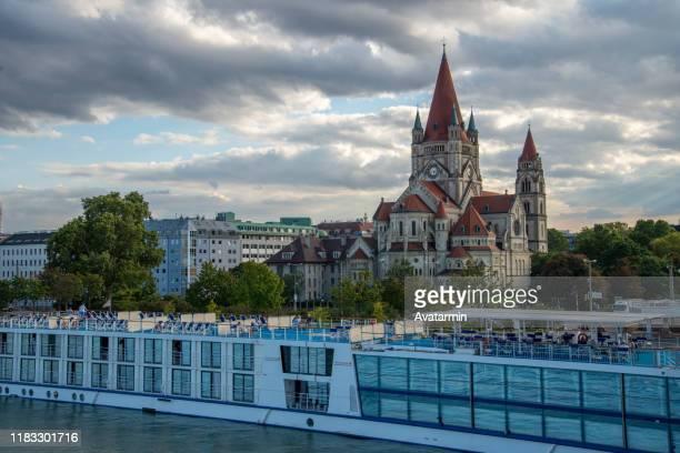 franz von assisi kirche - kirche imagens e fotografias de stock