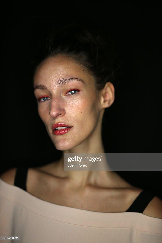 Minx by Eva Lutz Backstage - Mercedes-Benz Fashion Week Berlin Spring/Summer 2017 : Nachrichtenfoto