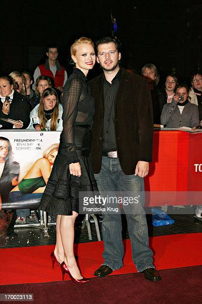 """Franziska Knuppe And Husband In The Christian Moestl Germany Premiere """"my sister in the shoes"""" in Cinestar Sony Center in Berlin at 041,105."""