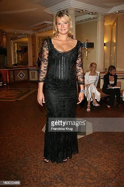 Franziska Van Almsick Bei Der United People Charity Night2006 Zugunsten PowerChild Im Hotel Bayrischen Hof In München