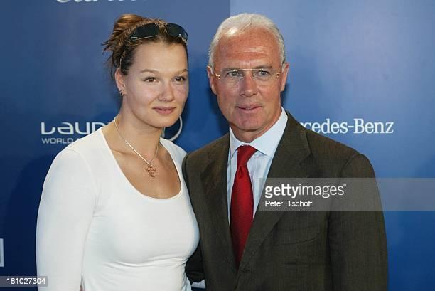 Franziska van Almsick und Franz Beckenbauer 'Laureus World Sports Awards' MercedesBenzNiederlassung 'Am Salzufer' Berlin Deutschland Europa...