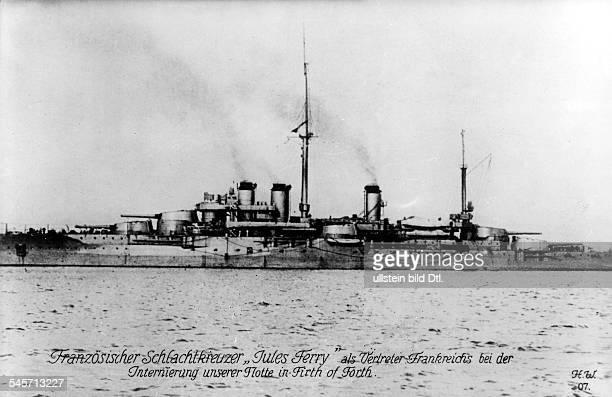 Französischer Schlachtkreuzer 'Jules Ferry' als Begleitschiff bei der Internierung der deutschen Flotte November 1918