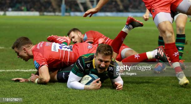 Fraser Dingwall of Northampton Saints scores a second half try during the Gallagher Premiership Rugby match between Northampton Saints and Leicester...