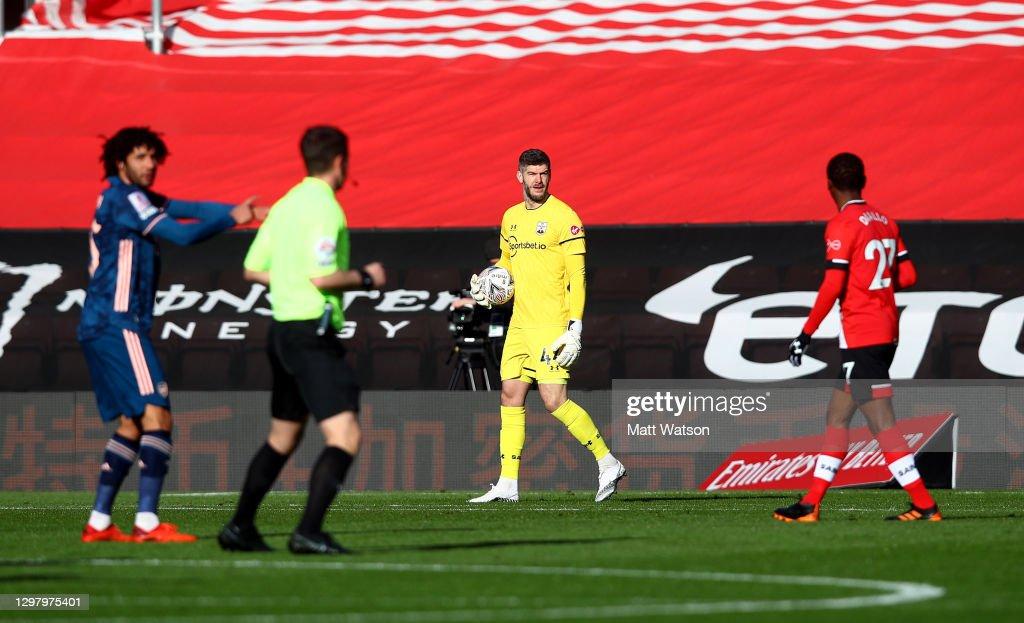 Southampton v Arsenal: The Emirates FA Cup Fourth Round : News Photo