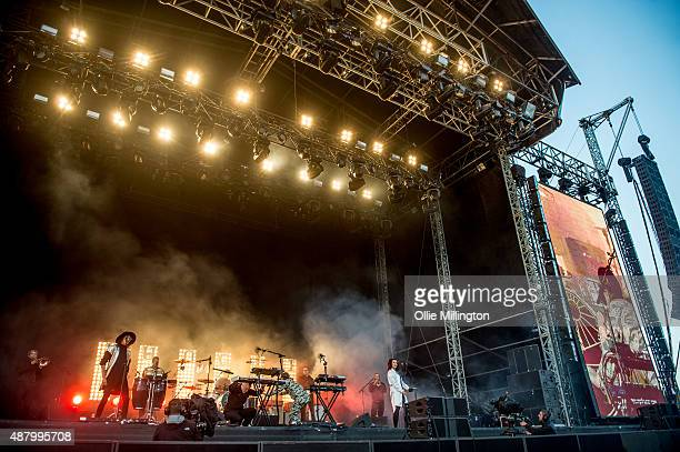 Fraser MacColl George Day Joshua LloydWatson Tom McFarland Rudi Salmon and Andro Cowperthwaite of Jungle of Jungle perform onstage during day 3 of...