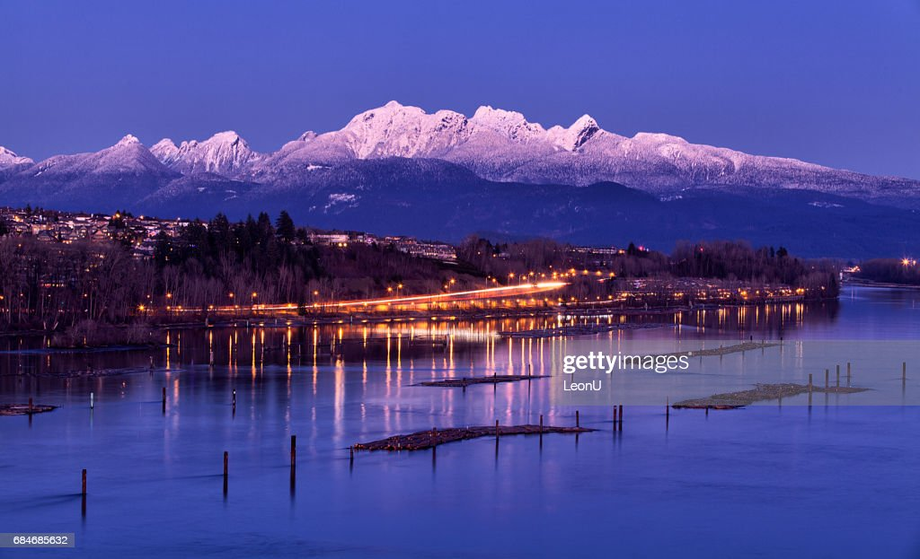 Fraser river at dusk in winter, British Columbia, Canada : Stock Photo