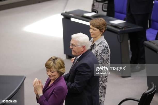 Frau Daniela Schadt FrankWalter Steinmeier der zwölfte Bundespräsident der Bundesrepublik Deutschland Frau Elke Büdenbender Deutschland Berlin...