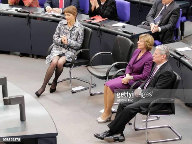 Frau Elke Büdenbender Frau Daniela Schadt Joachim Gauck der elfte Bundespräsident der Bundesrepublik Deutschland Deutschland Berlin Deutscher...