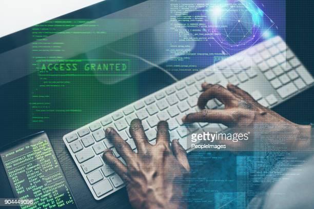 i truffatori sono là fuori - criminalità informatica foto e immagini stock
