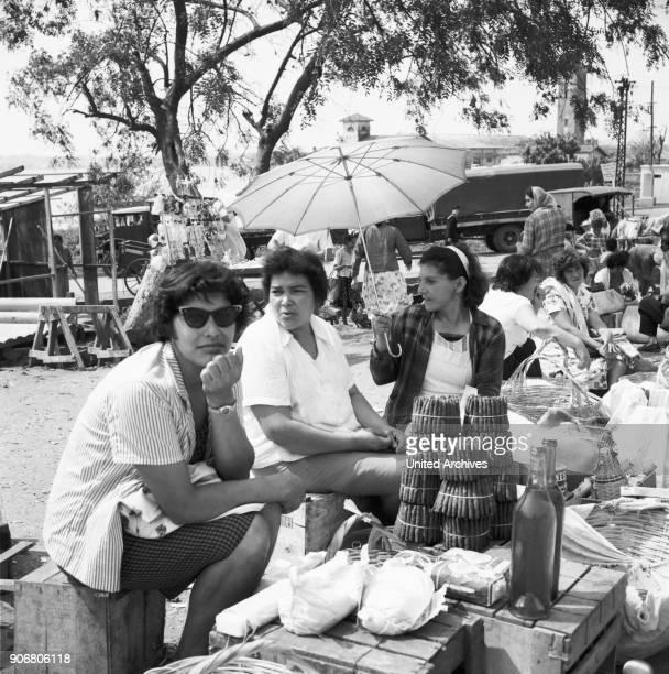 Frauen auf dem Paraguay mart in Posadas Argentina 1964