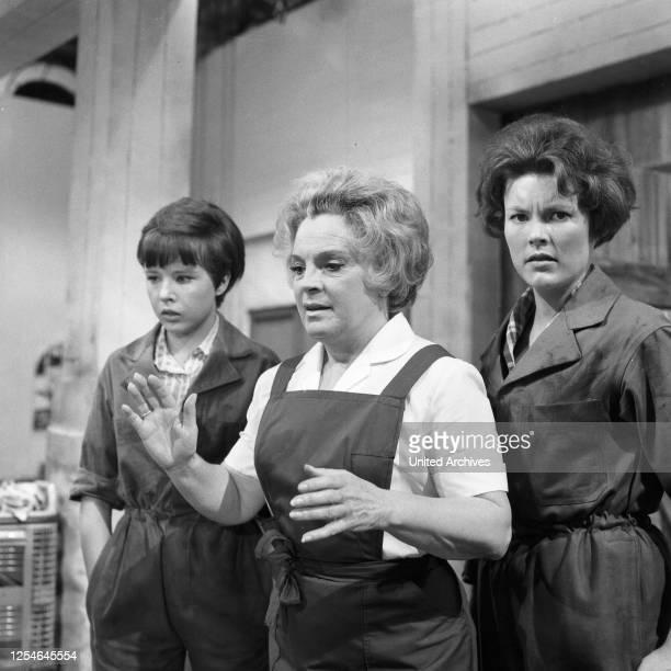 Frauen im Hause, Fortsetzung von 3 Frauen im Hause, Familienserie, Deutschland 1968, Regie: Hermann Leitner, Darsteller: Christin Thorn, Magda...
