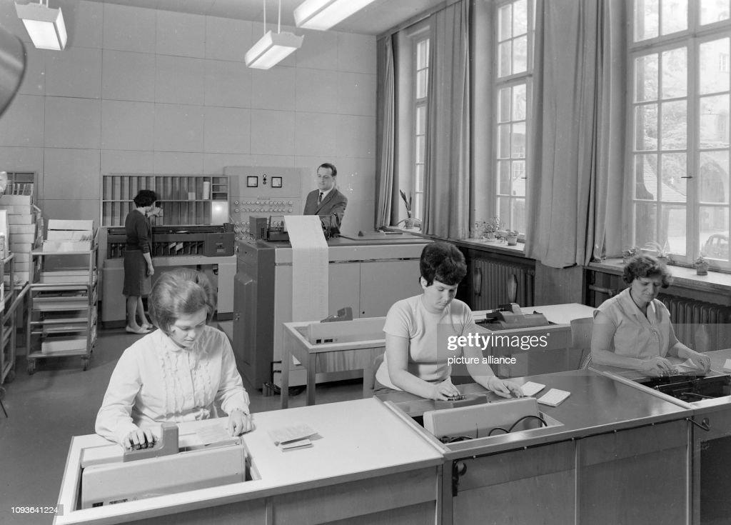 Frauen in der Verwaltung der Universität Jena bei der