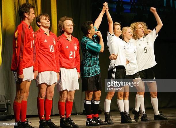 Frauen - und Maedchen Fussballkongress 2005, Koeln, 07.04.05; Eine Tanzgruppe der Deutschen Sporthochschule Koeln praesentiert ihr Programm