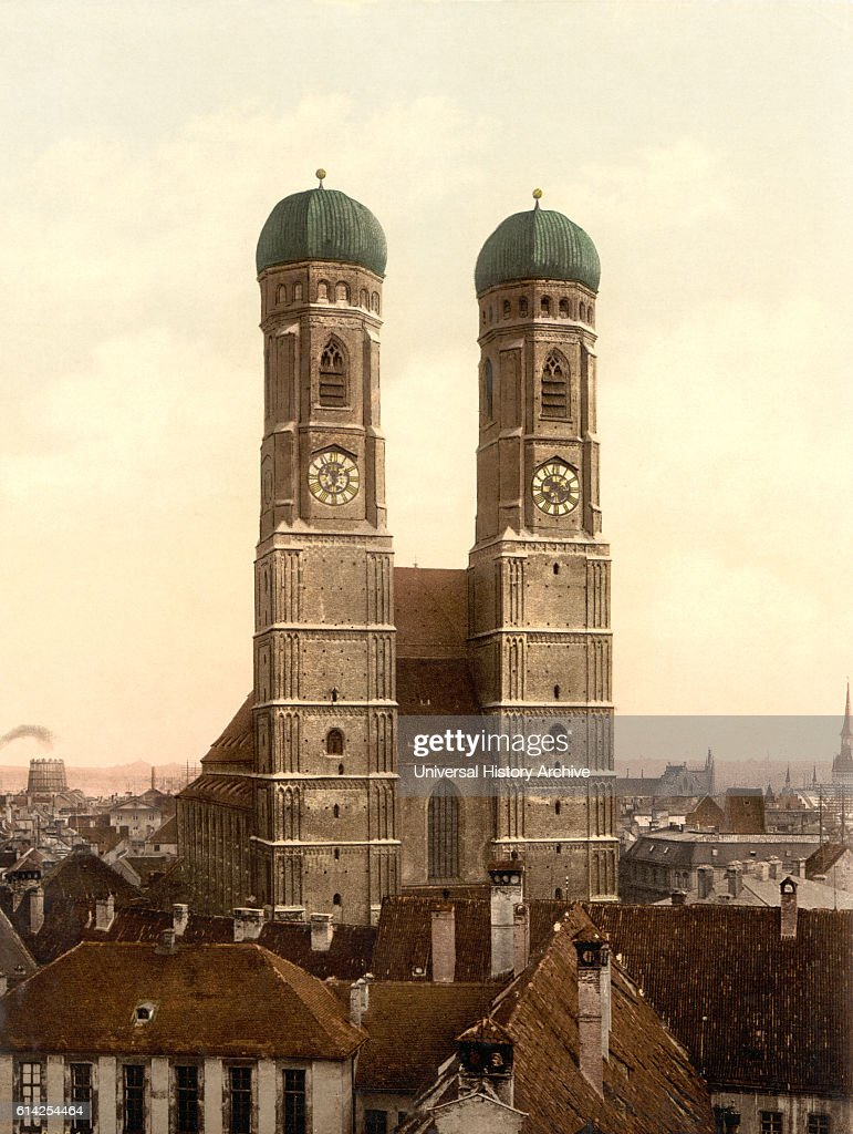 Frauenkirche, Munich, Bavaria, Germany, Photochrome Print, circa 1900 : News Photo