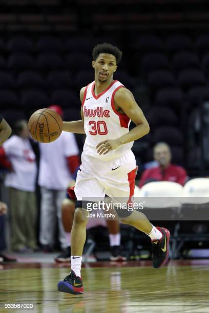 J Frazier of the Memphis Hustle handles the ball against Santa Cruz Warriors during an NBA GLeague game on March 10 2018 at Landers Center in...