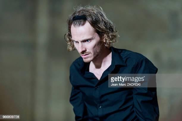 Frédéric Le Sacripan le 19 juillet 2016 dans 'Les Perses Eschyle pièces de guerre' une adaptation pour le théâtre mise en scène par Olivier Py et...