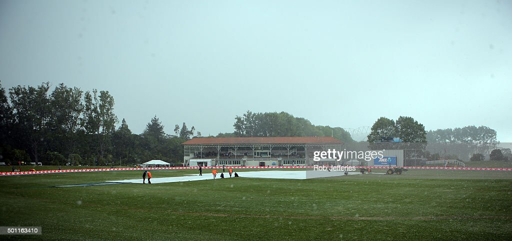 A freak wild hail storm hits the University Oval, Dunedin during day four of the First Test match between New Zealand and Sri Lanka at University Oval on December 13, 2015 in Dunedin, New Zealand.