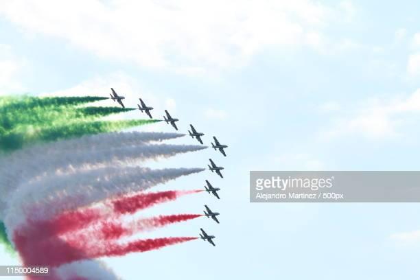 frecce tricolori, italian air force - frecce tricolori foto e immagini stock