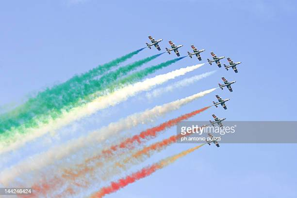 frecce tricolori performance - italian military stock pictures, royalty-free photos & images