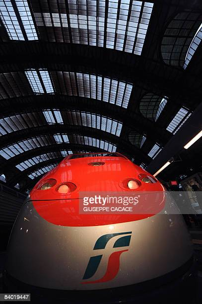 A Freccia Rossa high speed train is at quay on the day of its launching on December 13 2008 at Milan Central station The Freccia Rossa high speed...