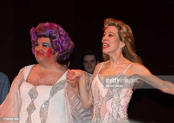 Fred Applegate and Allyce Beasley during the curtain call at Kelsey Grammer Douglas Hodge Robin De Jesus Fred Applegate's final performance in 'La...