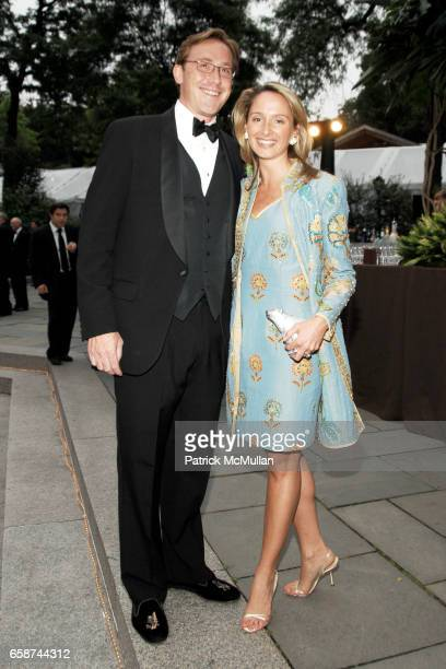 Fred Clark and Stephanie Clark attend the Wildlife Conservation Society's Central Park Zoo '09 Gala at the Central Park Zoo on June 10 2009 in New...