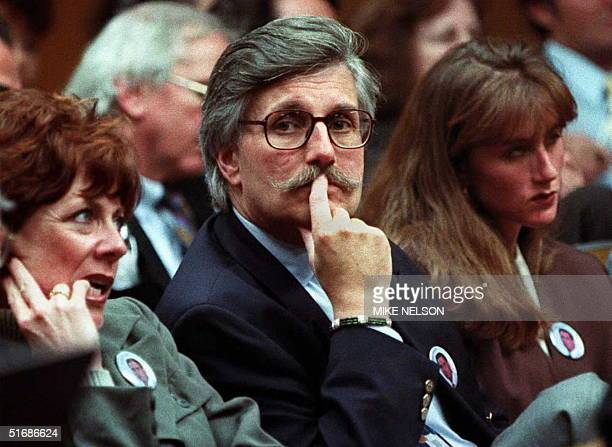 Fred Goldman wife Pattie and daughter Kim sits in court as Superior Court Judge Alan Haber refused 15 November in Santa Monica California to seal...