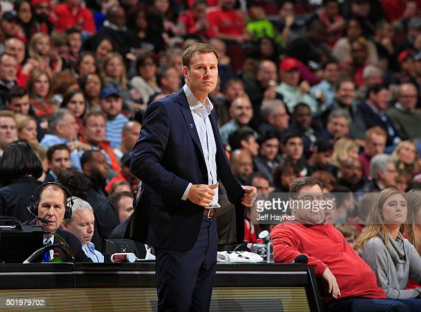 Fred Hoiberg of the Chicago Bulls looks on during the game nio Spurs on November 30 2015 at United Center in Chicago Illinois NOTE TO USER User...