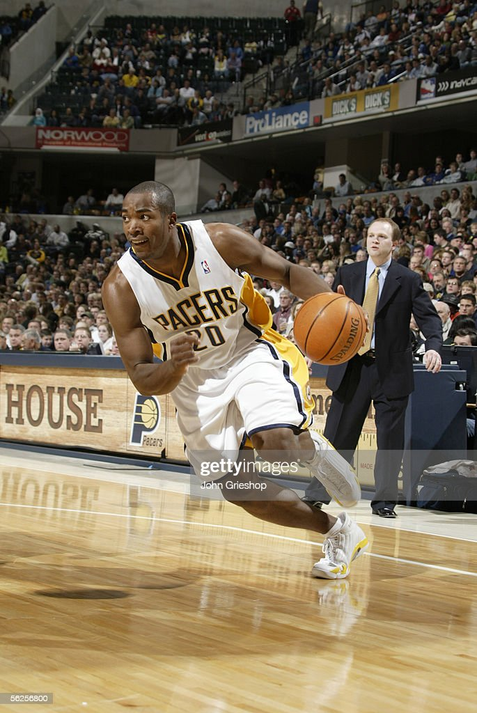 Fred Jones of the Indiana Pacers drives against the New