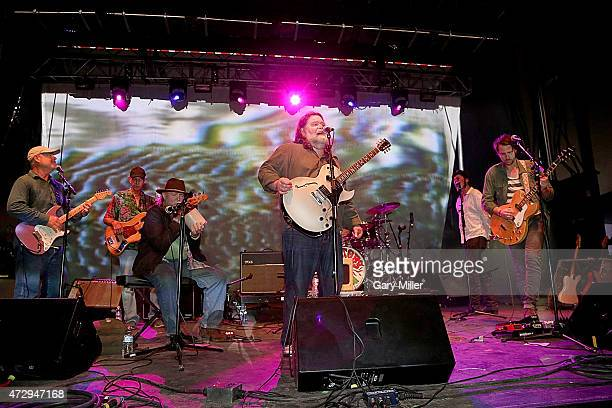 Fred Mitchum Ronnie Leatherman Tommy Hall Roky Erickson Jegar Erickson and Eli Southard of the 13th Floor Elevators perform as a group for the first...