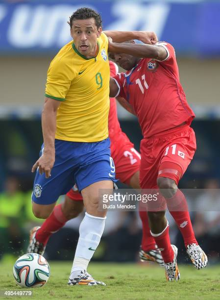 Fred of Brazil and Cooper of Panama compete for the ball during the International Friendly Match between Brazil and Panama at Serra Dourada Stadium...