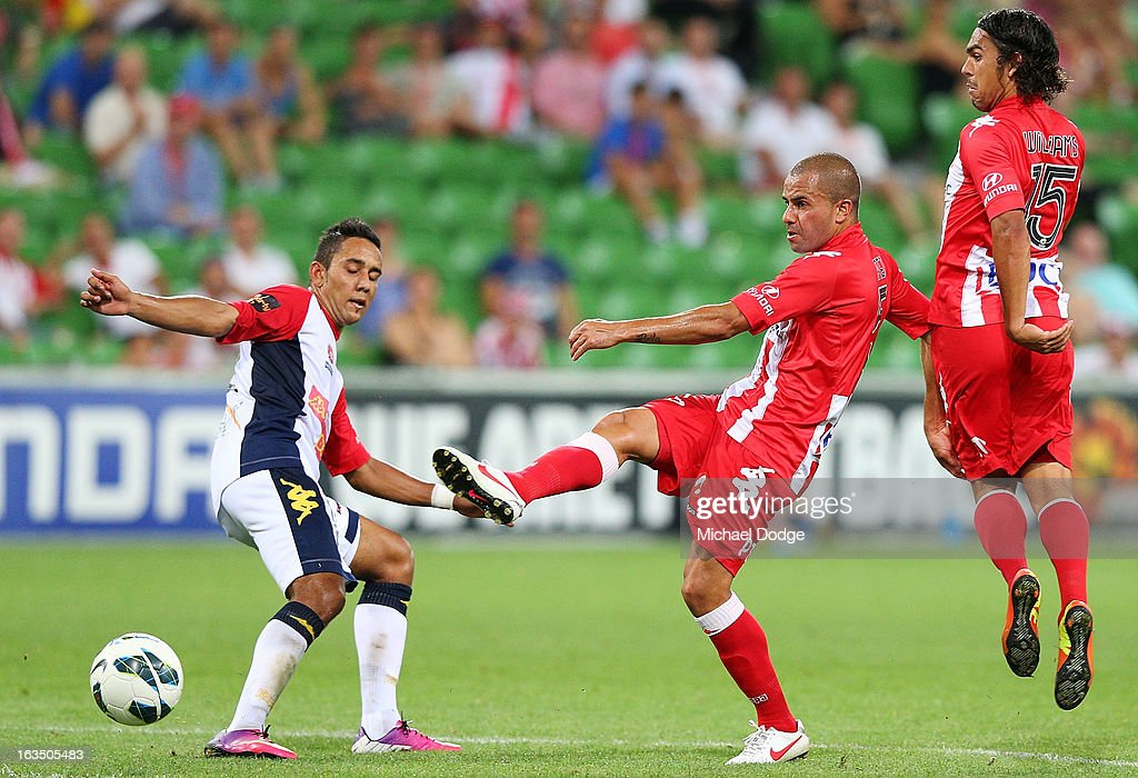 19 Fred of the Heart kicks the ball during the round 24 A-League match between the Melbourne Heart and Adelaide United at AAMI Park on March 11, 2013 in Melbourne, Australia.