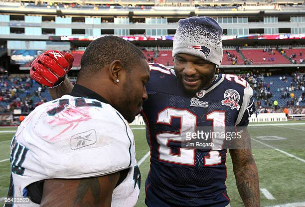 Fred Taylor of the New England Patriots speaks with Maurice Jones-Drew of the Jacksonville Jaguars after a Patriots' 35-7 win at Gillette Stadium on...