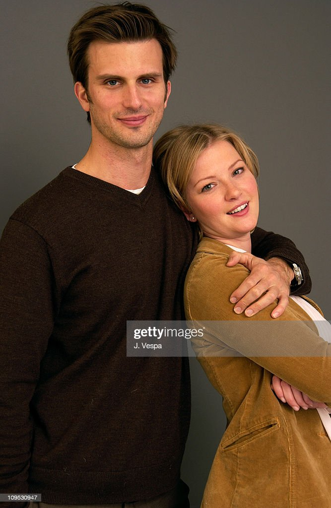 Fred Weller and Gretchen Mol during 2003 Sundance Film Festival - 'The Shape of Things' - Portraits at Yahoo Movies Portrait Studio in Park City, Utah, United States.
