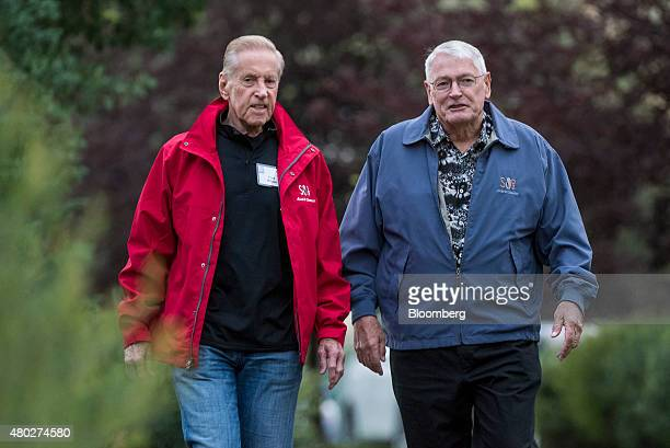 20 John Malone Media Executive Pictures, Photos & Images