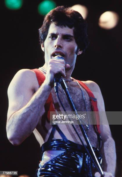 Freddie Mercury of Queen News of the World Tour 78