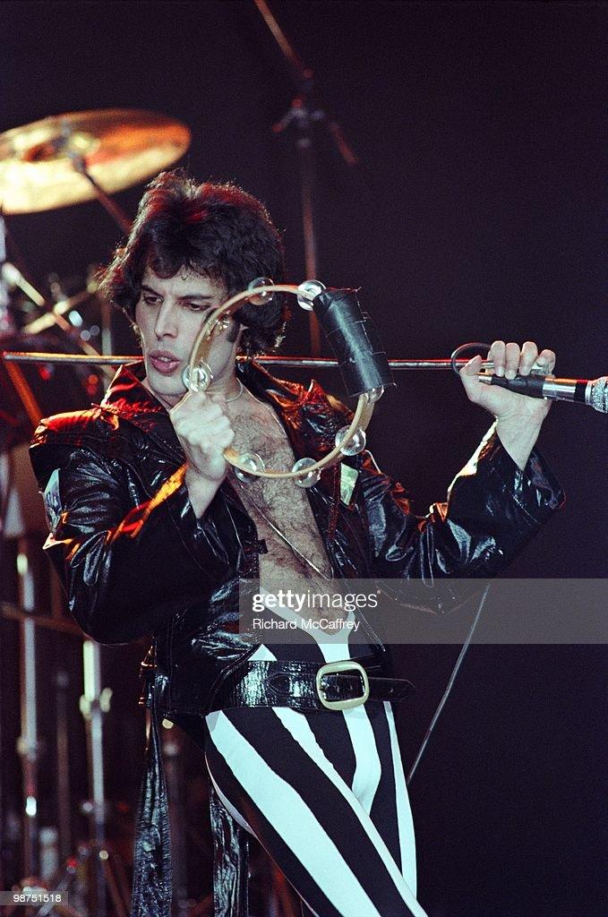 Freddie Mercury Of Queen Performs Live : News Photo
