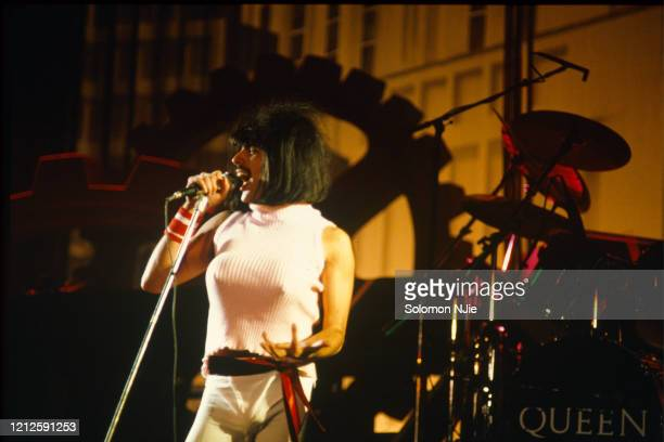 Freddie Mercury, Queen, dressed in women's clothes performing 'I Want To Break Free', The Works Tour, 7 September 1984 Wembley Arena.