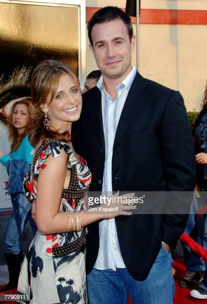 Freddie Prinze Jr and wife Sarah Michelle Gellar