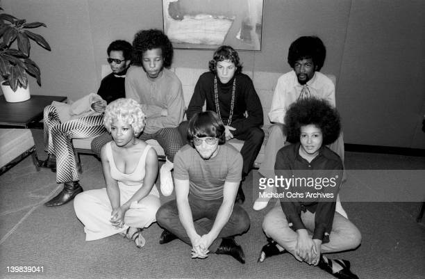 Freddie Stone Sly Stone Gregg Errico Larry Graham Rose Stone Jerry Martini and Cynthia Robinson of the psychedelic soul group 'Sly And The Family...