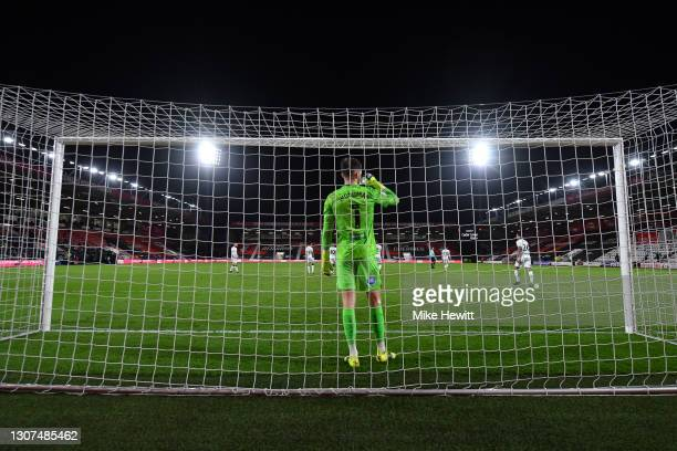 Freddie Woodman of Swansea City has a drink of waterduring the Sky Bet Championship match between AFC Bournemouth and Swansea City at Vitality...
