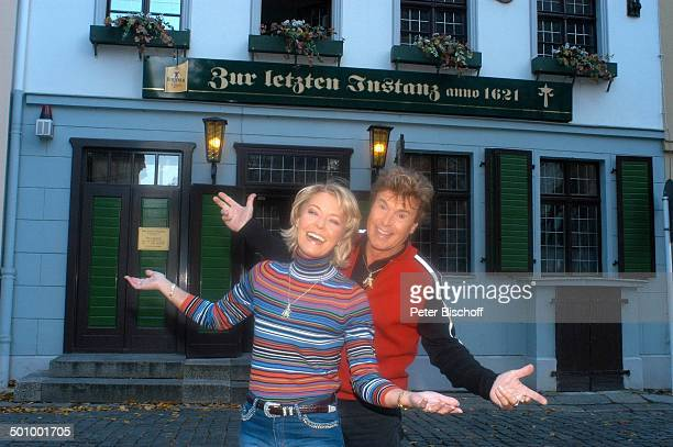 Freddy Breck Ehefrau Astrid Breck Urlaub StadtBummel Berlin Lokal Zur letzten Instanz Gaststätte Kneipe SchlagerStar Sänger Familie Promi PNr...