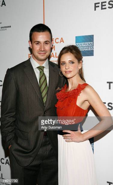 """Freddy Prince Jr. And Sarah Michelle Gellar attend the premiere of """"Suburban Girl"""" at the 2007 Tribeca Film Festival on April 27, 2007 in New York..."""