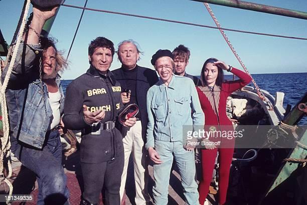 Freddy Quinn als Kapitän und Taucher Fred Karin Dor Werner Pochath Volker Bogdan Namen auf Wunsch SAT1Film Haie an Bord Sardinien Italien Europa...