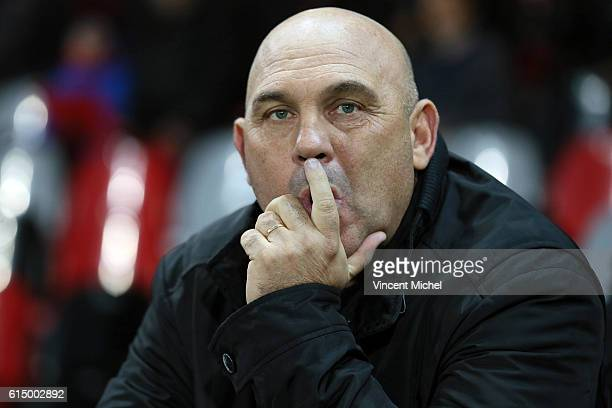 Frederic Antonetti, headcoach of Lille during the Ligue 1 match between EA Guingamp and Lille OCS at Stade du Roudourou on October 15, 2016 in...