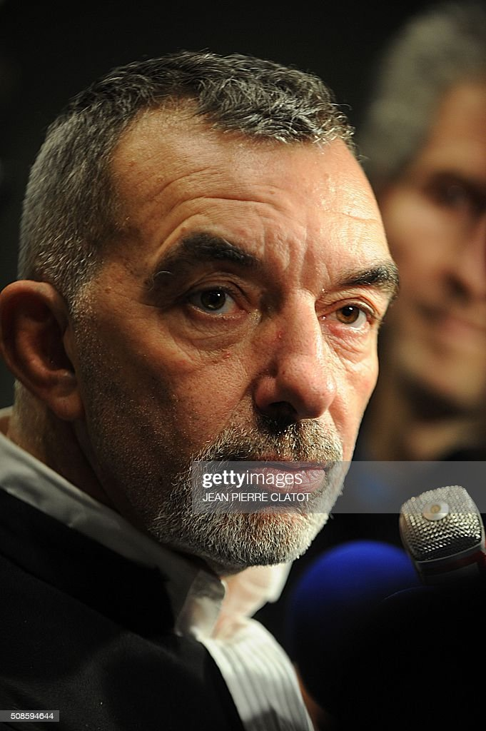 Frederic Doyez French lawyer of Bernadette Dimet (not pictured) speaks to journalists after the court pronounced the sentence on February 5, 2016 in Grenoble, eastern France. The court of Grenoble handed on February 5 a suspended five-year jail sentence to Dimet who shot dead her abusive husband, less than a week after President Francois Hollande pardoned a woman jailed in a similar case. / AFP / JEAN