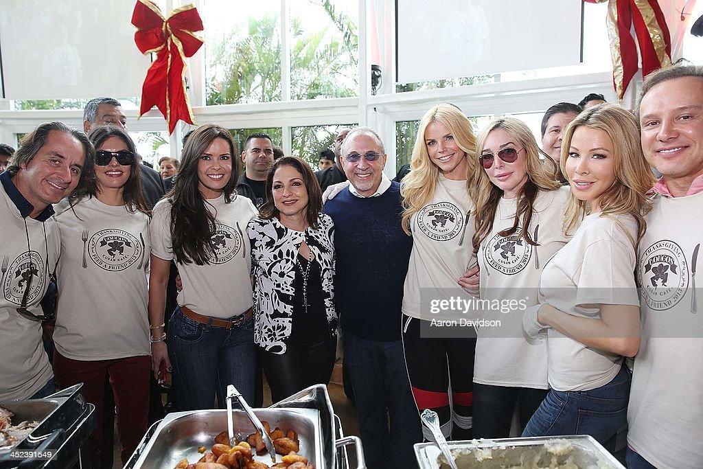 "Gloria & Emilio Estefan Host 6th Annual Thanksgiving Day ""Feed A Friend"" Event : News Photo"