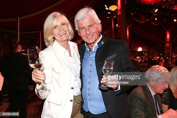 Frederic Meisner and his wife Yvonne Meisner during the VIP premiere of Schubeck's Teatro at Spiegelzelt on November 3 2016 in Munich Germany