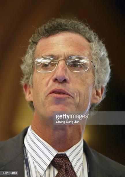 Frederic Mishkin Professor of the Columbia University attends The Bank of Korea International Conference 2006 Monetary Policy in an Environment of...